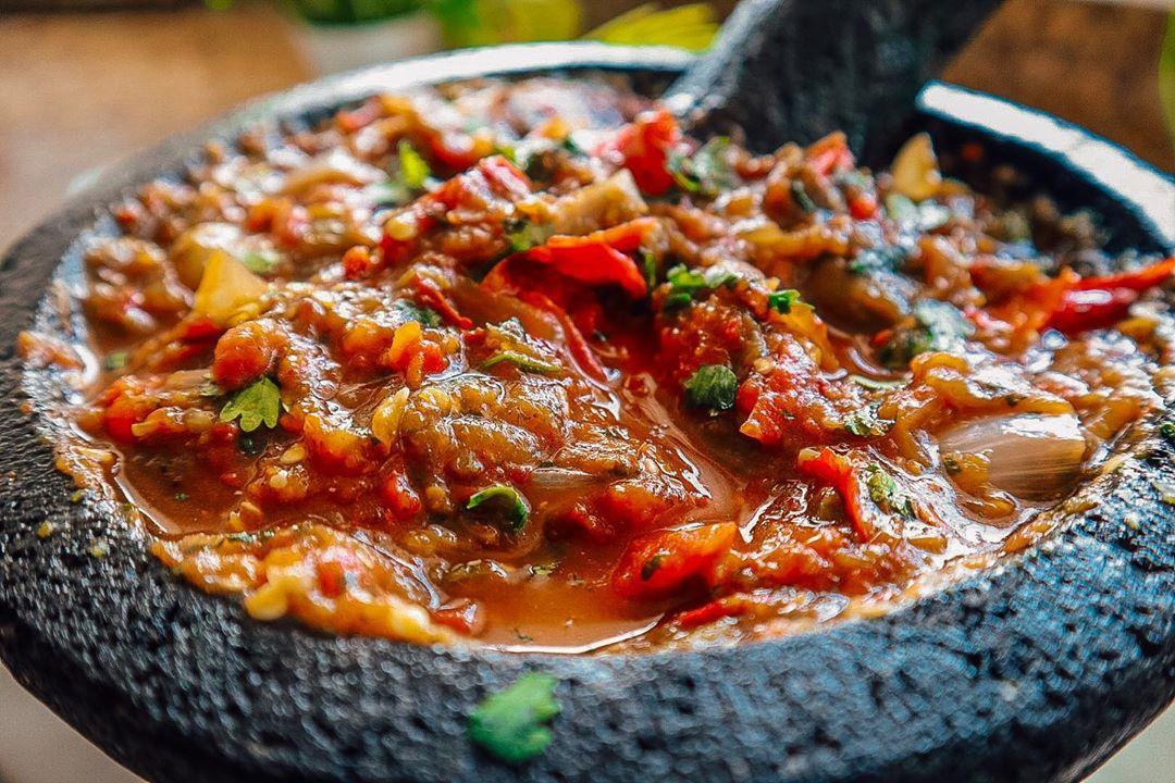 Receta de Salsa en Molcajete Roja