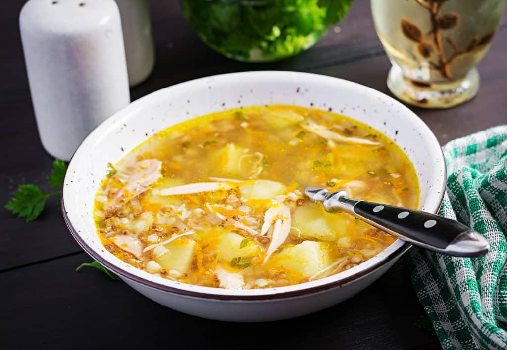 Receta de Sopa de Gallina India