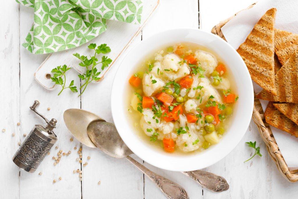 Receta de Sopa de Guisantes y Papas