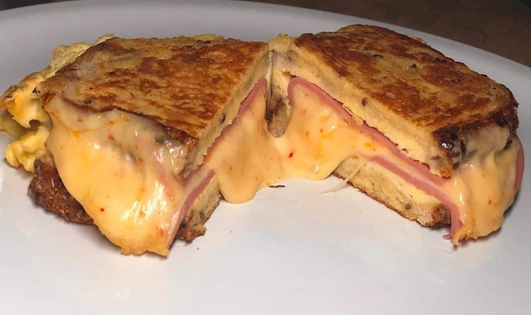 Receta de Sándwich de Huevo y Queso