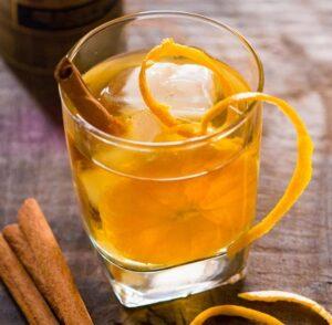 Cóctel de Whisky con Naranja