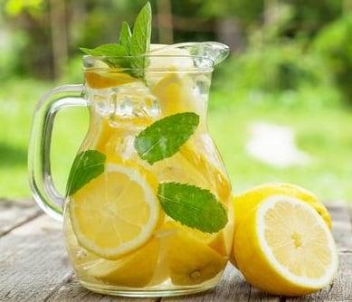 Receta de Cóctel de Limón y Menta